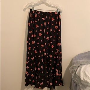 Gap - Floral midi skirt with slit - size small